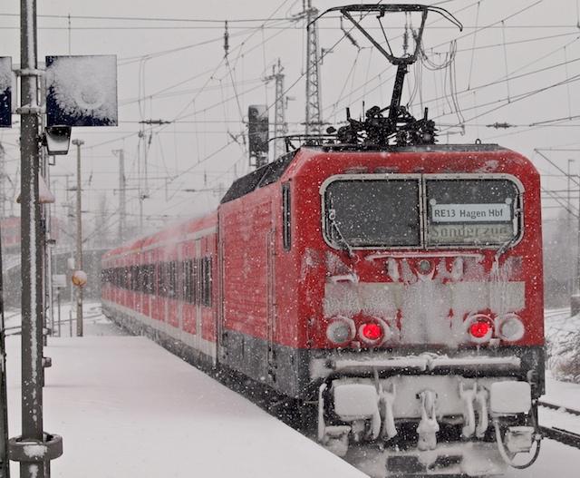 Ersatzverkehr RE13 in Neuss (Foto: Weidelich)